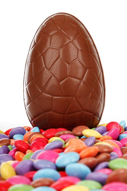 chocolate-easter-egg-and-candy-1280x1920_12436