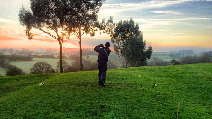 _absolutely_free_photos_original_photos_golf-player-3232x1818_21334
